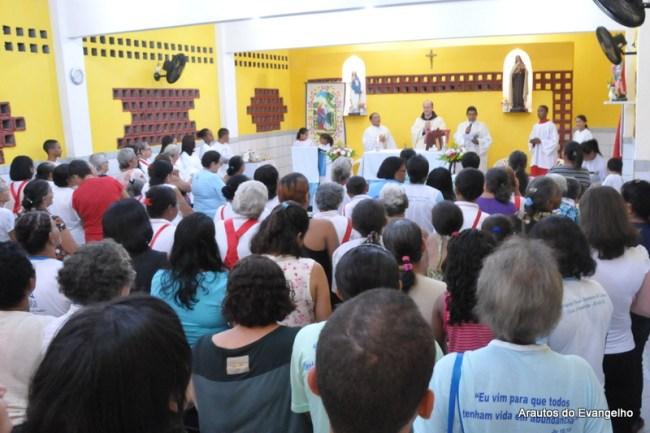Pe. Célio Casale preside Missa de encerramento do mês de maio na Capela Santa Teresinha, em Nova Descoberta