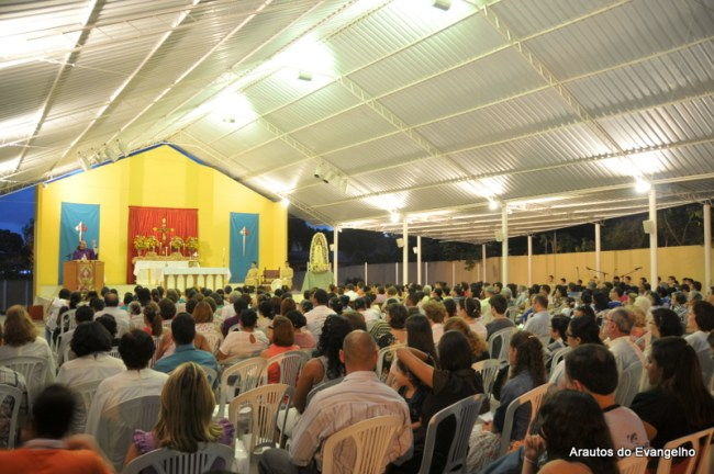Missa na sede dos Arautos do Evangelho em Recife