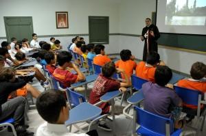 Reunião na sede dos Arautos do Evangelho com o Pe. Ignacio Montojo