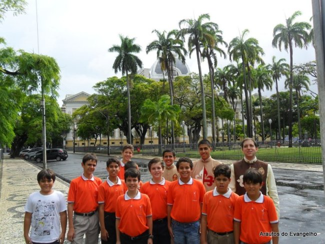 Participantes do Projeto Futuro e Vida visitam o centro do Recife - Tribunal de Justiça de Pernambuco