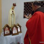 Pe Célio Casale abençoa Oratórios do Imaculado Coração de Maria na capela Santa Terezinha, em São Lourenço da Mata