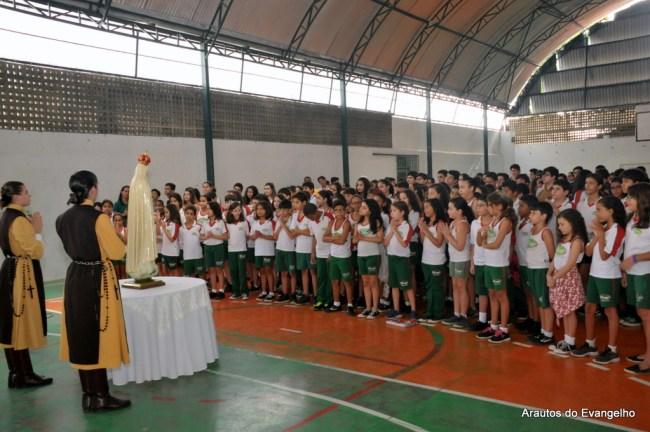 Visita da Imagem de Nossa Senhora no Viver Colégio e Curso (Jaboatão dos Guararapes - PE)