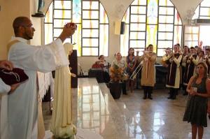 Coroação da imagem de Nossa Senhora de Fátima na Paróquia São Pedro