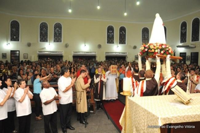Missa de encerramento da Missão Mariana na Igreja Nossa Senhora da Glória, em Vila Velha