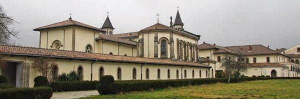 Vista exterior do prédio do mosteiro