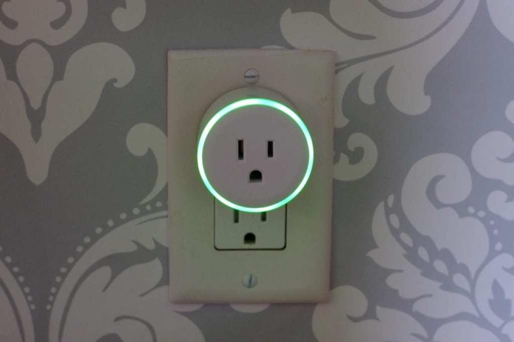 WiFi Smart plug Adjustable colorful rig light