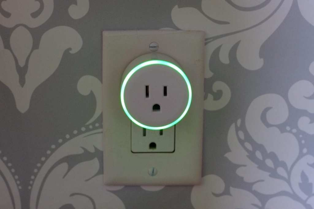 WiFi Smart plug Adjustable colorful rig light
