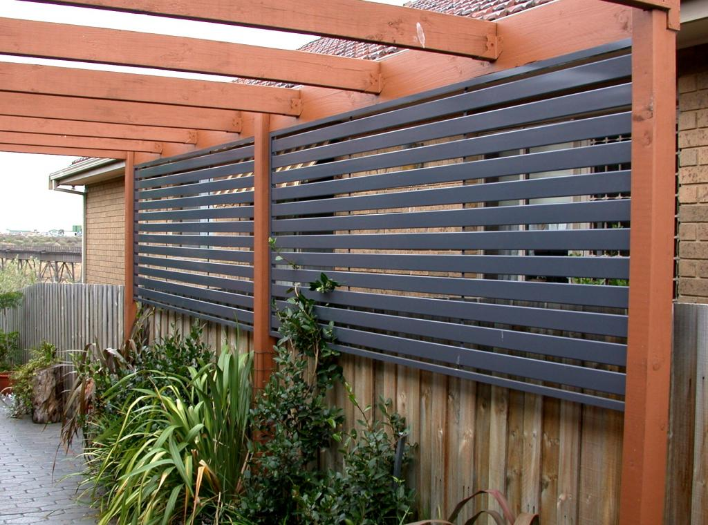Installing An Outdoor Privacy Screen