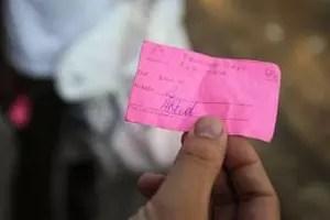 """Un bilet găsit de soția sa într-o geantă pe care nu o mai folosise de patru ani i-a schimbat viața: """"Mi-a zis că e un semn"""""""