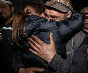 Momente emoționante surprinse la Mina Lupeni, când minerii au ieșit la suprafață, după șase zile de protest