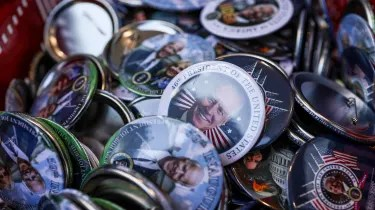 picture of Biden inauguration day buttons