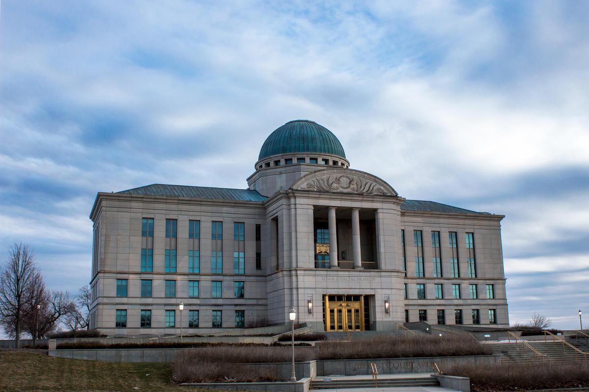 Should Iowa Ditch Judicial Retention Elections