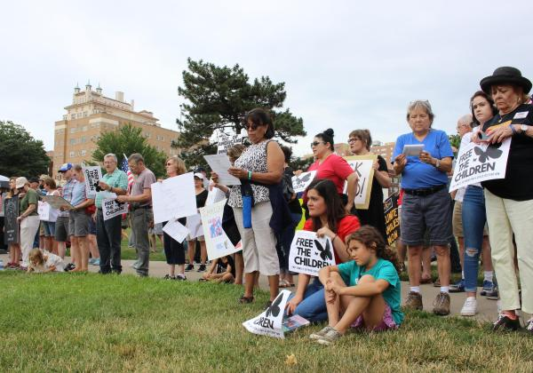 Hundreds Rally In Kansas City To 'Protect Immigrant ...