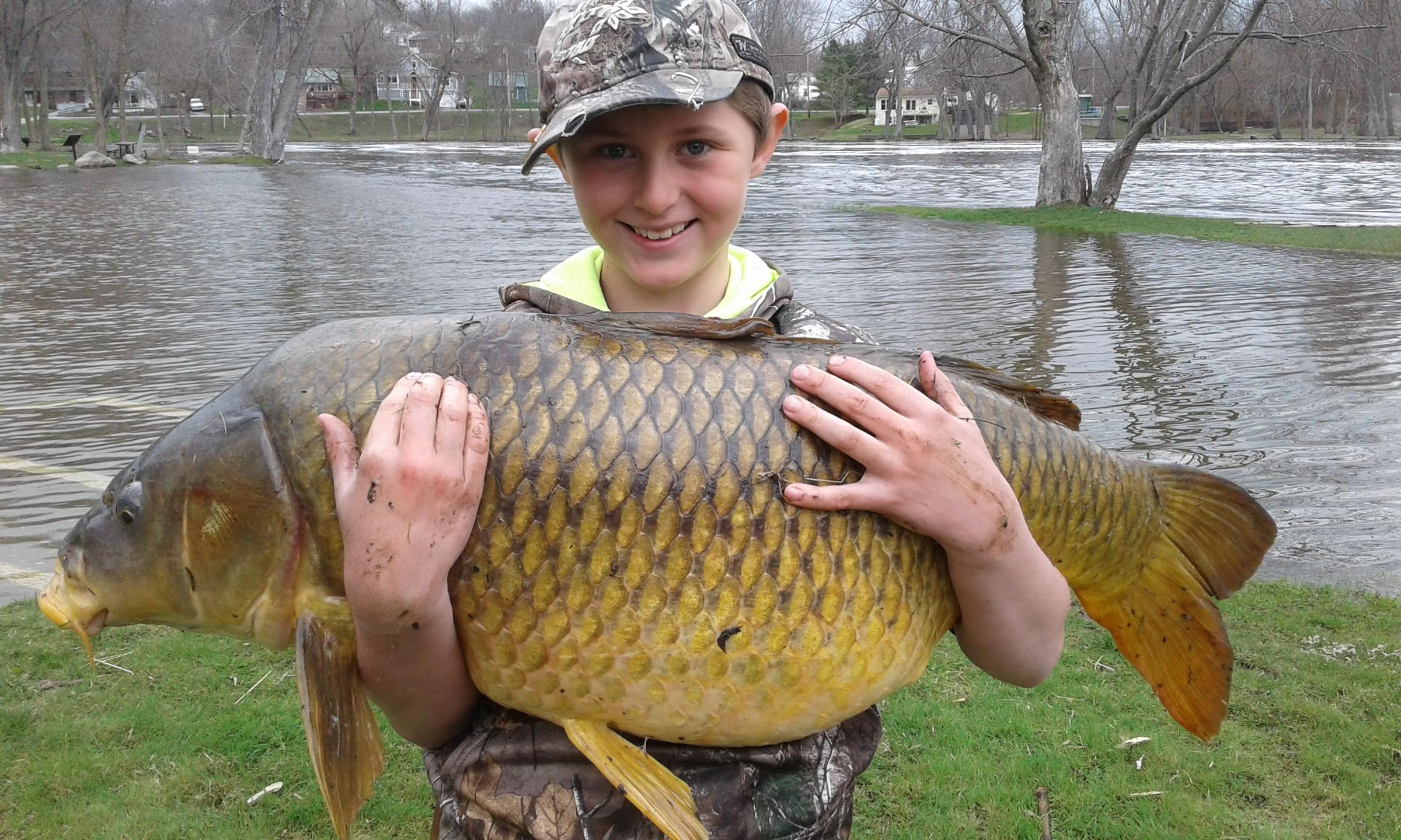 Little Kid Big Fish 11 Year Old Snags Record Carp