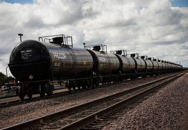 Environmental Groups Oppose A Railroad Storing Oil Tanker ...