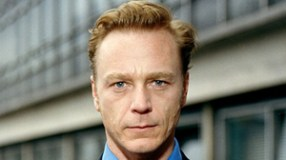 Ben Daniels (5/2 on Ladbrokes, 3 on Unibet & 41/12 on Betfair) is currently getting the best odds from booksmakers. Ben Daniels (born 10 June 1964) is an English actor. On television, he has appeared in The Lost Language of Cranes (1991), Conspiracy (2001), Cutting It (2002–2005), Ian Fleming: Bondmaker (2005), The Virgin Queen (2005), and The State Within (2006). Daniels has also appeared in films such as The Bridge (1992), Beautiful Thing (1996), Passion in the Desert (1997), I Want You (1998), Madeline (1998), and Doom (2005). Daniels was nominated for Best Actor at the Evening Standard Awards for Best Supporting Actor in the Laurence Olivier Awards for Never the Sinner (1991), 900 Oneonta (1994), Best Actor in the M.E.N. Theatre Awards for Martin Yesterday (1998). He eventually won the Olivier award at the 25th Laurence Olivier Awards in 2001, as well as the Best Supporting Actor award at the 2001 Whatsonstage.com Theatregoers' Choice Theatre Awards, for his performance in the Arthur Miller play All My Sons. Other theatre credits include Tales From Hollywood (2001), Three Sisters (2003), Iphigenia at Aulis (2004), The God of Hell (2005), The Wild Duck (2005–2006), and Thérèse Raquin (2006). In 2008, Daniels made his Broadway début in a revival of Les Liaisons Dangereuses, for which he was nominated for a Tony Award for Best Performance by a Leading Actor in a Play.