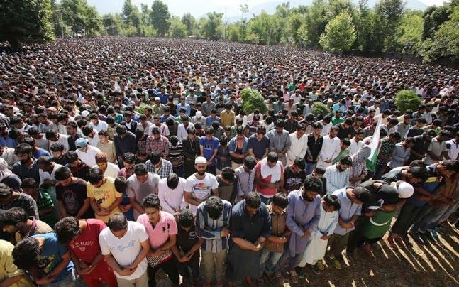 Funeral of Hizbul Mujahedeen top militant, 21-year-old Burhan Muzaffar Wani