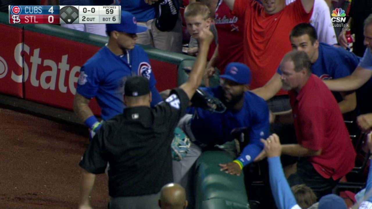 Heyward's great catch in stands