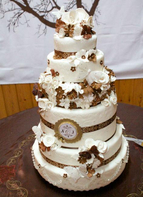 20 Fabulous Floral Cakes TodaysBrideca