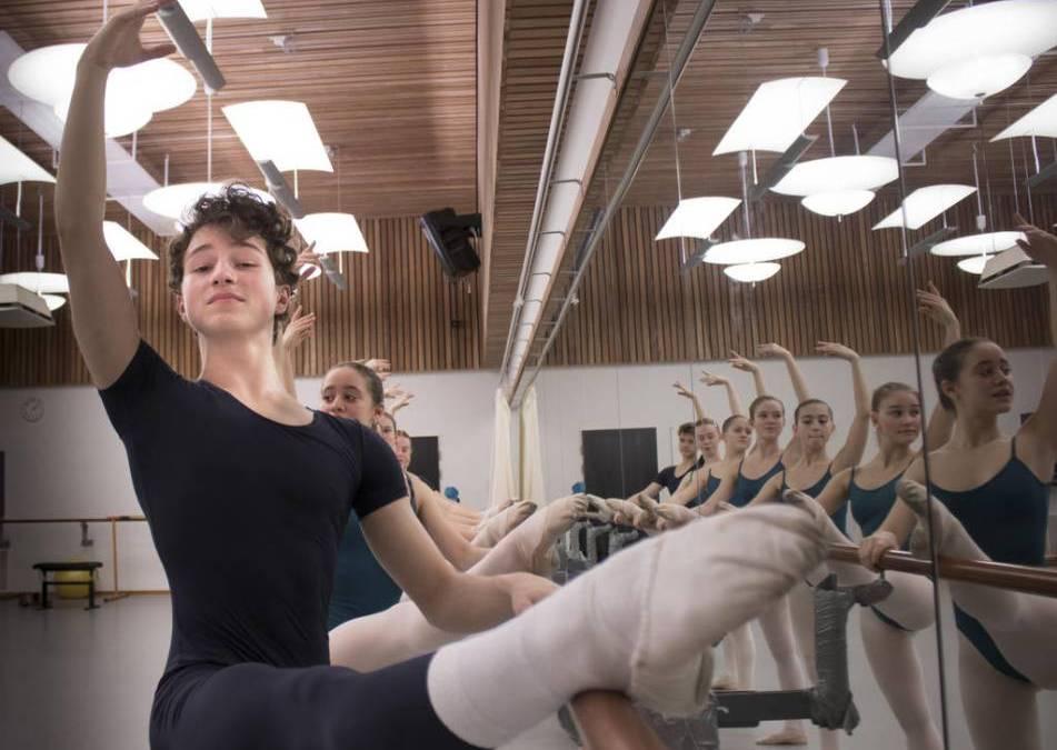 GöteborgDirekt skriver om elev på Svenska Balettskolans uttagning till den internationella balettävlingen Pris de Lausanne