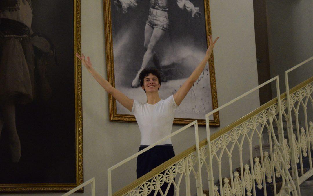 Elev från Svenska Balettskolan lever sin dröm i St Petersburg