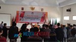 Komisi Pemilihan Umum Daerah (KPUD) Konawe Utara saat melantik 26 tambahan anggota Panitia Pemilihan Kecamatan bertempat di aula kantor KPU setempat, Rabu (212019).