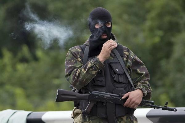 Беларусь заявила, что задержала русских боевиков, но людей озадачили кадры обыска. Багаж у бойцов был нелепый