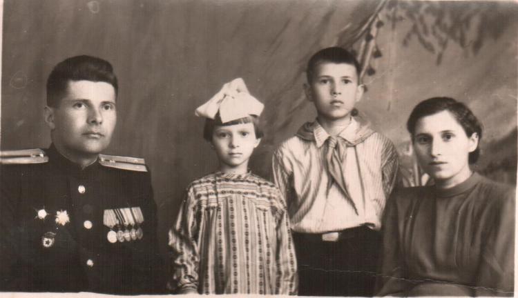 семья Кононова Михаила Семёновича и Колеса Софьи Ефимовны