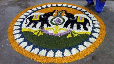 Photo of ആന വണ്ടിയിൽ ഗംഭീര ഓണാഘോഷം ; ഓടുന്ന വണ്ടിയിലെ ആഘോഷം പുതിയ അനുഭവം
