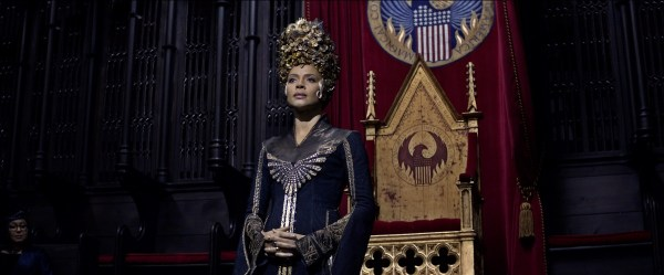 "Copyright: © 2016 WARNER BROS ENTERTAINMENT INC. ALL RIGHTS RESERVED Photo Credit: Courtesy of Warner Bros. Pictures Caption: CARMEN EJOGO as Seraphina Picquery in Warner Bros. Pictures' fantasy adventure ""FANTASTIC BEASTS AND WHERE TO FIND THEM,"" a Warner Bros. Pictures release."