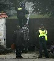 evicted nuns curse polish police as 'servants of satan'