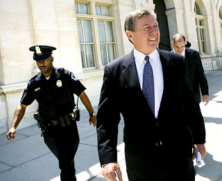 ashcroft can be sued over jailing 'witnesses'