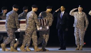 obama witnesses return of afghanistan war dead