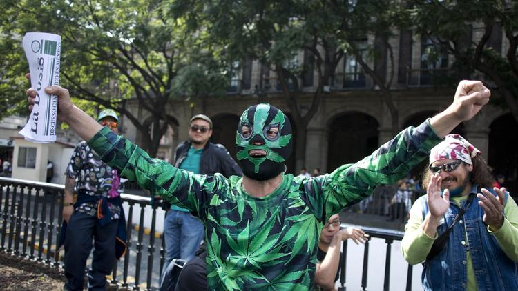 marijuana-mexico-man