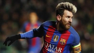 ميسي يجدّد عقده مع برشلونة