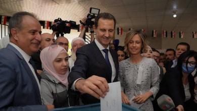 رغم التظاهرات الرافضة.. الأسد ينتخب نفسه في دوما بالمدينة التي حرقه شعبها بالكيماوي