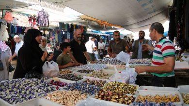 أجواء عيد الفطر في حلب... أسواق تزدحم بدون عمليات بيع أو شراء