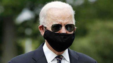 """الرئيس الأمريكي يهدي """"بوتين"""" نظارة شمسية"""