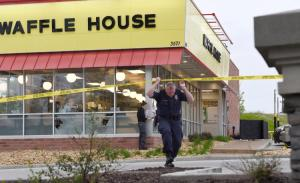 Naked gunman kills 4 at Waffle House in Tenn., still on the loose