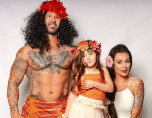 "Jenni ""JWoww"" Farley and Roger Mathews Have a Family Halloween Photo Shoot"