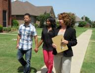 11 Thoughts Everyone Has Had While Watching House Hunters