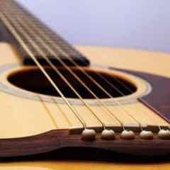 La guitare : trouvez cordes à votre manche !