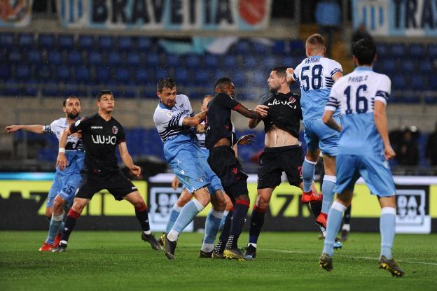 Football - Football - Bologne a échappé en suspendant la Lazio à Rome. (E. Cavaliere / IPP / Sports Press)