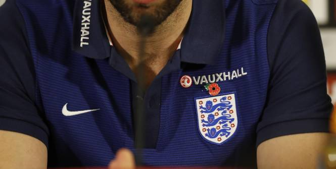 Football - ANGLETERRE - Le coquelicot sur la poitrine de Gareth Southgate. (Reuters)