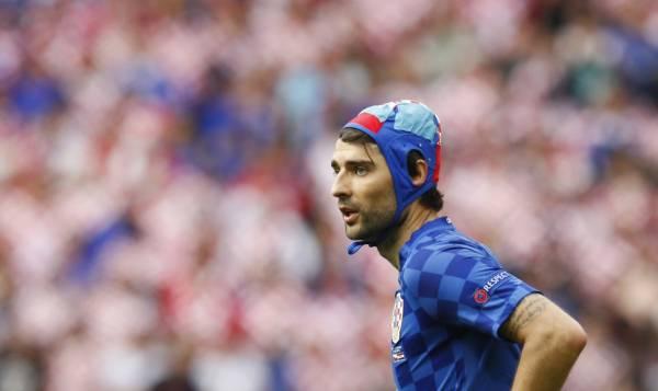 Euro \u2013 Le Croate Corluka a joué avec un bonnet de water,polo