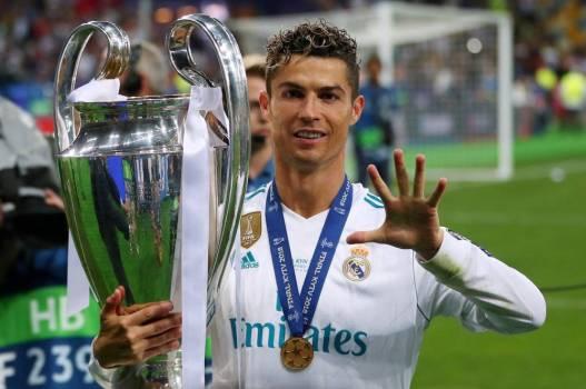 Ligue des Champions - Real Madrid - «Je vais parler aux supporters, ce fut  très bon de jouer au Real Madrid» : la drôle de déclaration de Cristiano  Ronaldo après la finale - France Football