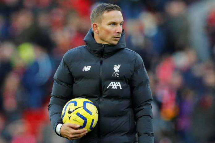 Soccer Soccer - Premier League - Liverpool v Tottenham Hotspur - Anfield, Liverpool, Britain - October 27, 2019 Liverpool assistant manager Pepijn Lijnders before the match REUTERS / Phil Noble EDITORIAL USE ONLY. No use with unauthorized audio, video, data, fixture lists, club / league logos gold