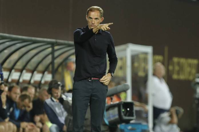 Thomas Tuchel points the way forward. (Sébastien Boué / The Team)