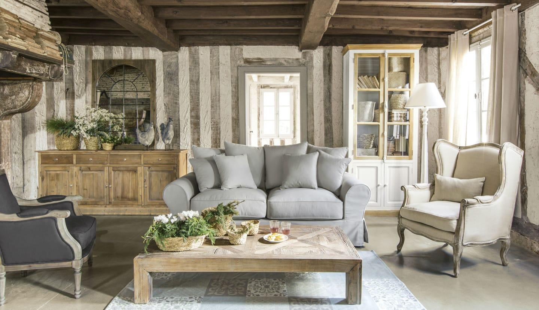 Comodino in stile provenzale realizzato in legno di pino, struttura e top in legno naturale. Stile Provenzale Mobili E Arredamento Maisons Du Monde