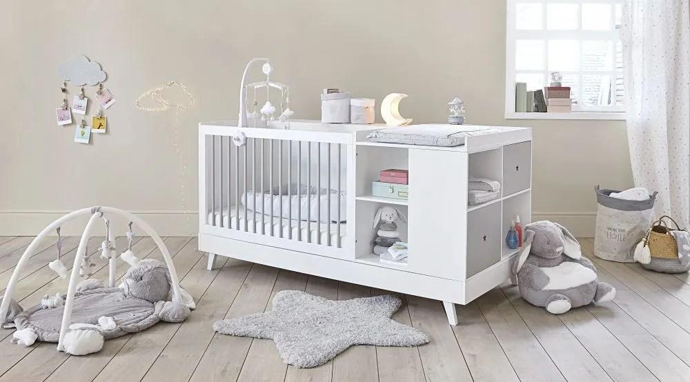 mobile musical pour bebe en coton gris et blanc maisons du monde